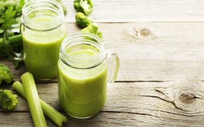 Smoothie selderij, broccoli, kiwi en banaan