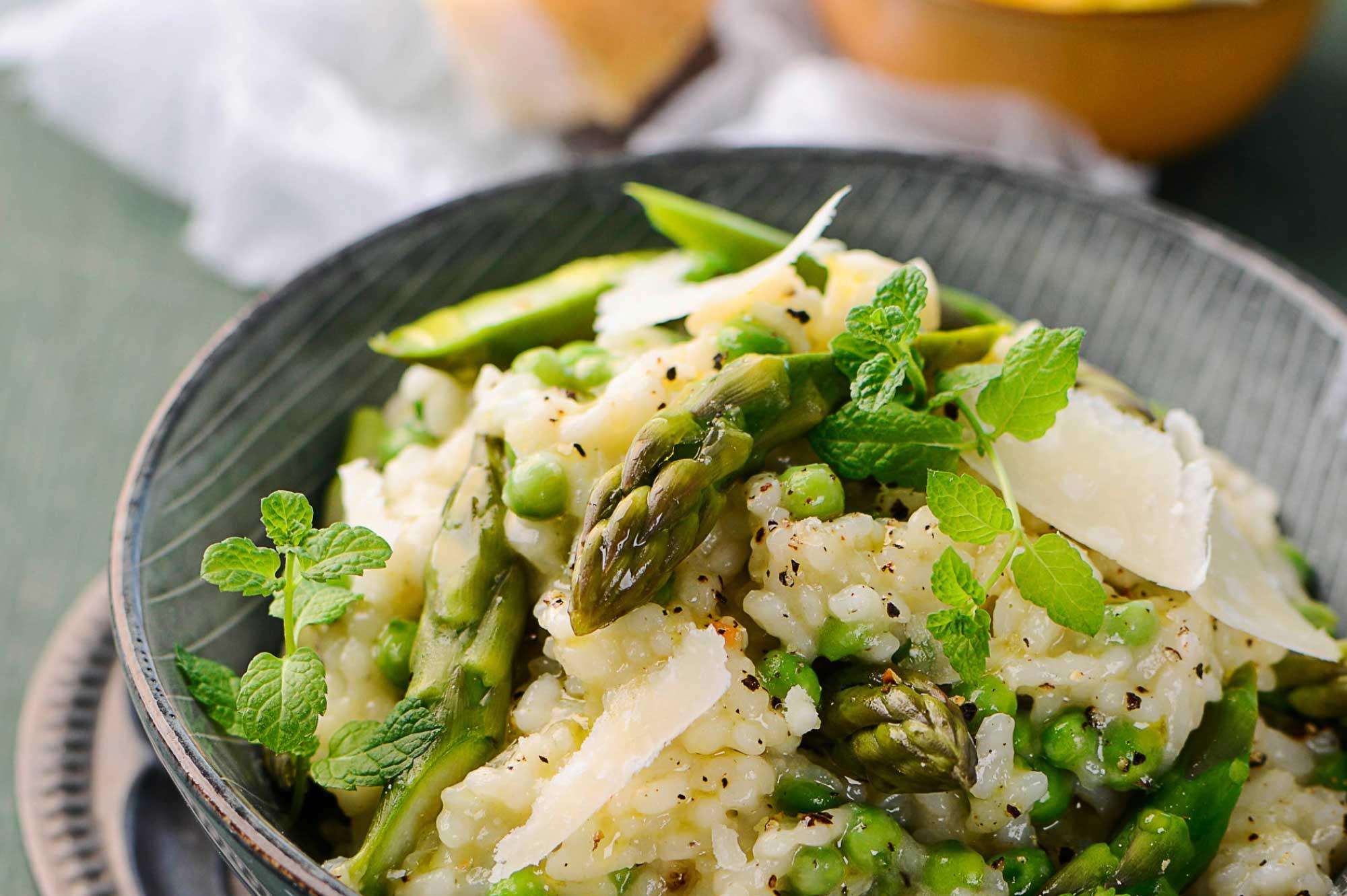 Recept risotto doperwten asperges parmazaan oktober | Bedrijfscatering | De Groene Artisanen
