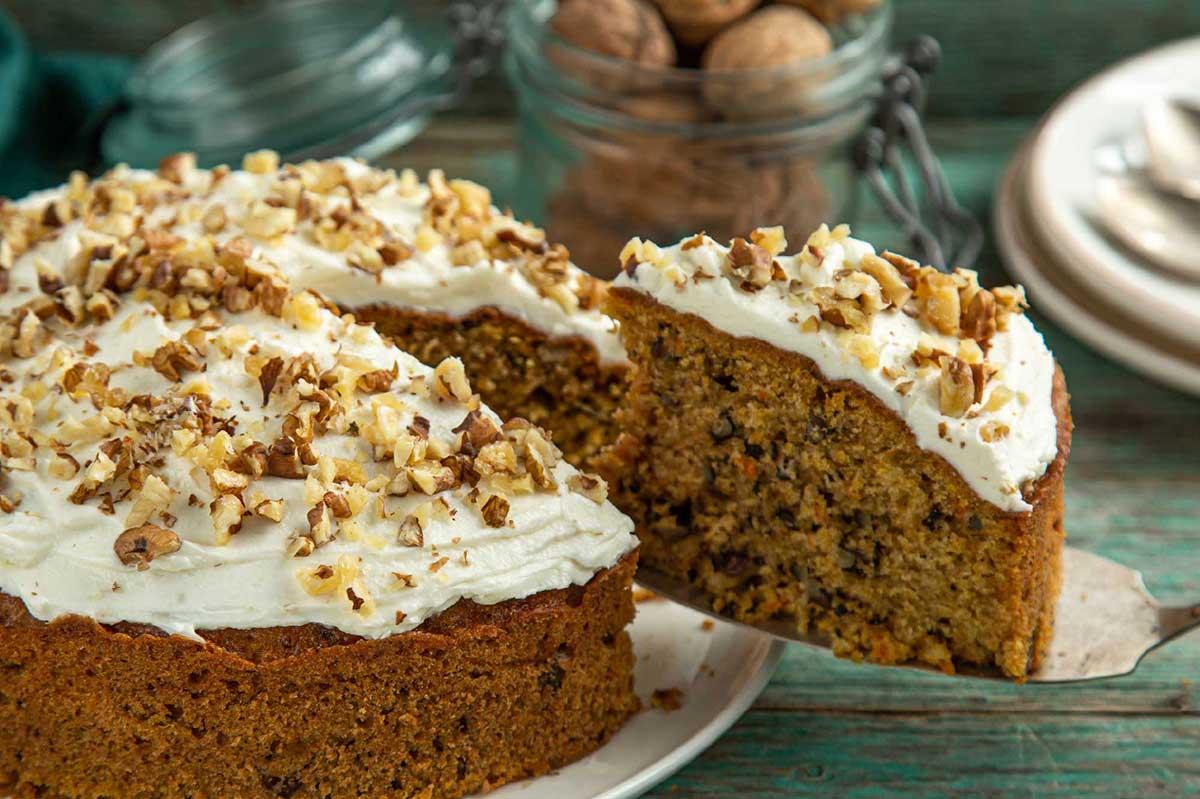 Recept worteltaart walnoten rozijnen taart toet DGA bedrijfscatering