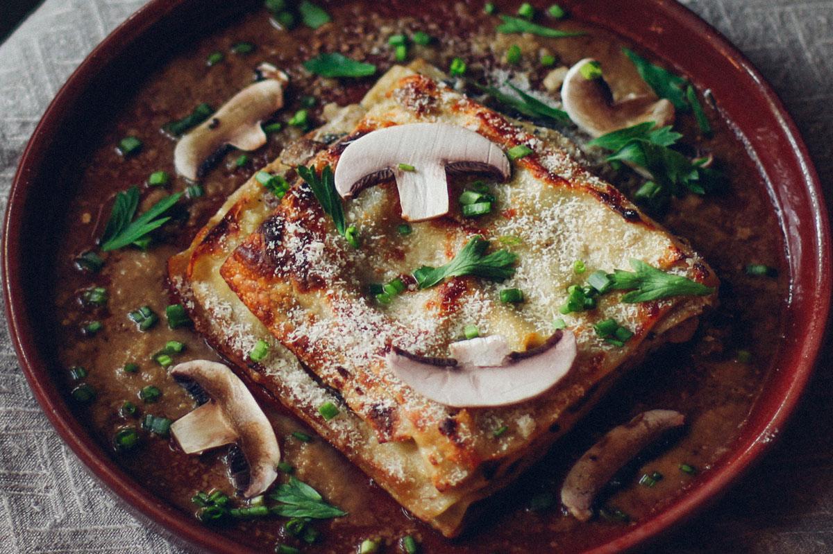 Lasagne met gemengde paddenstoelen vegetarisch recept december 2019 DGA groene bedrijfscatering