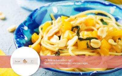 Spaghetti met paksoi, mango en ongezouten pinda's