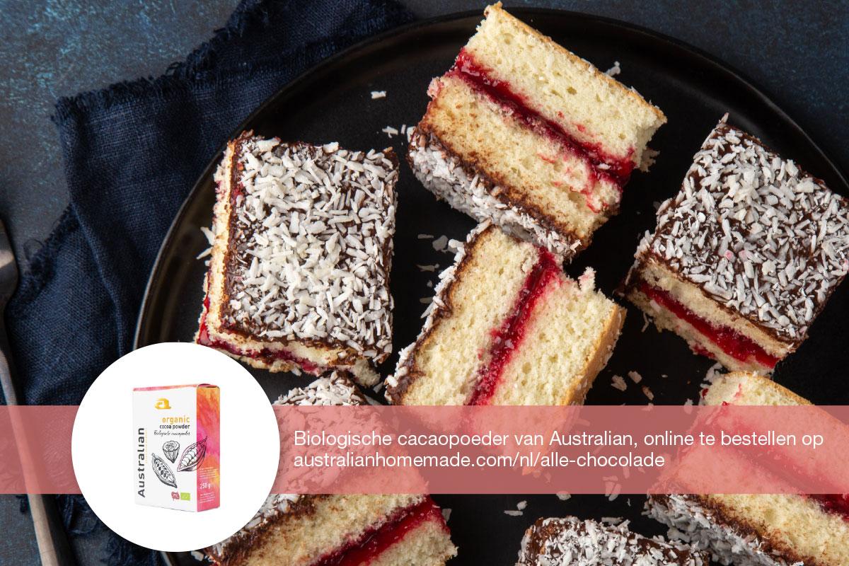 cake met rabarberjam, cacao topping en kokos | DGA bedrijfscatering