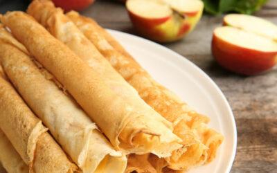 Flensjes met appel, kaneel en honing