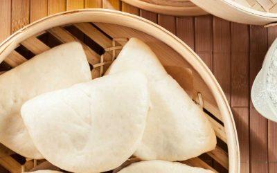 bao buns met vega kipstukjes, prei en koriander